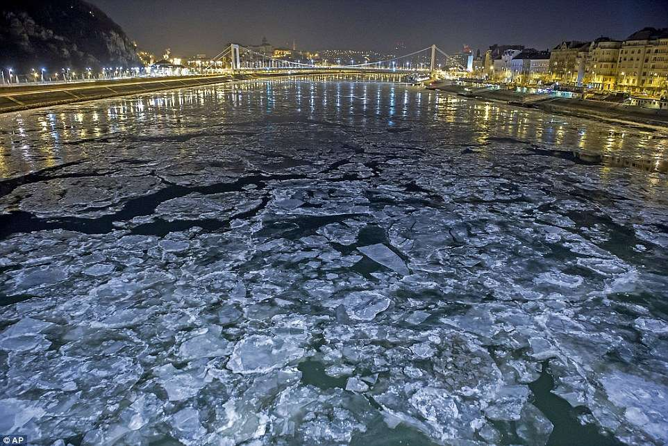 3bf2c2d200000578-4099566-river_danube_at_the_szabadsag_freedom_bridge_in_budapest-a-126_1483895453675