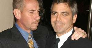 auto_pay-miguel-ferrer-and-cousin-george-clooney1484893572
